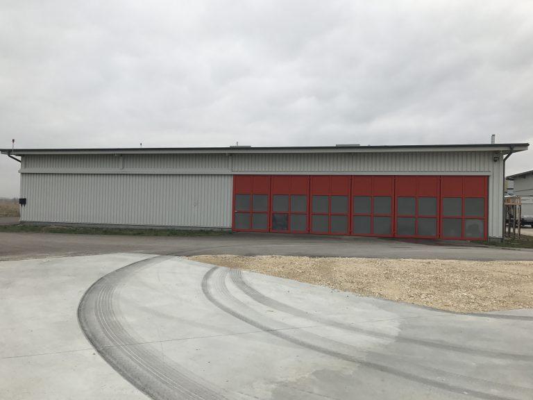 Halle für Kleinflugzeuge in Heubach Gutachten nach Sturm